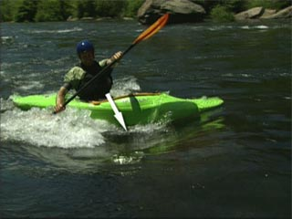 Easy and reliable surfing river waves by kayak
